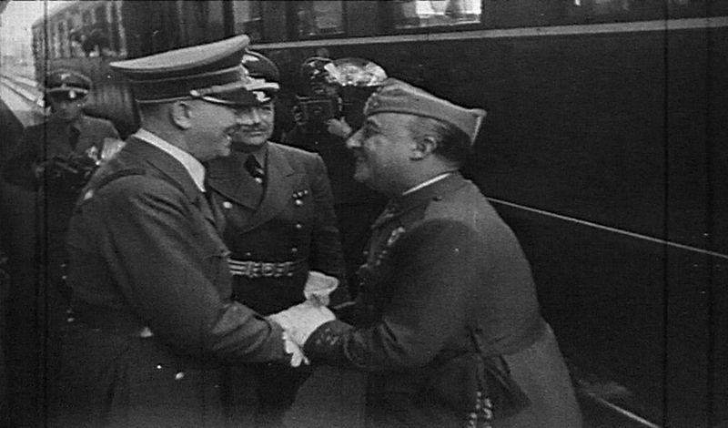 El Caudillo retrasó en 1942 la hora para agradar al Führer y ahí seguimos